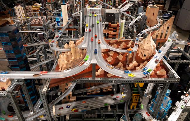5.-Metropolis-II,-2010-photo-E.Koyama-email.jpg