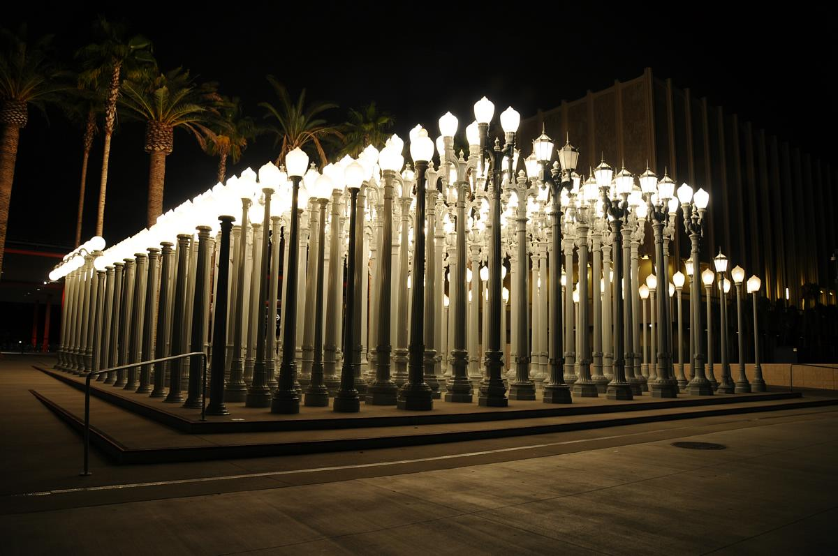 Urban-Light-by-Chris-Burden-by-Night-03_JPG-1.jpg