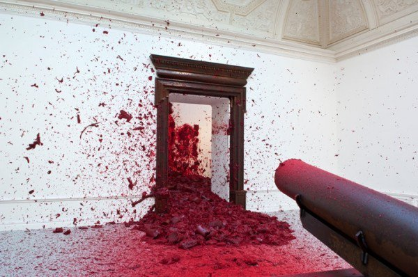 shooting-into-the-corner-Anish-Kapoor-2-600x398.jpg