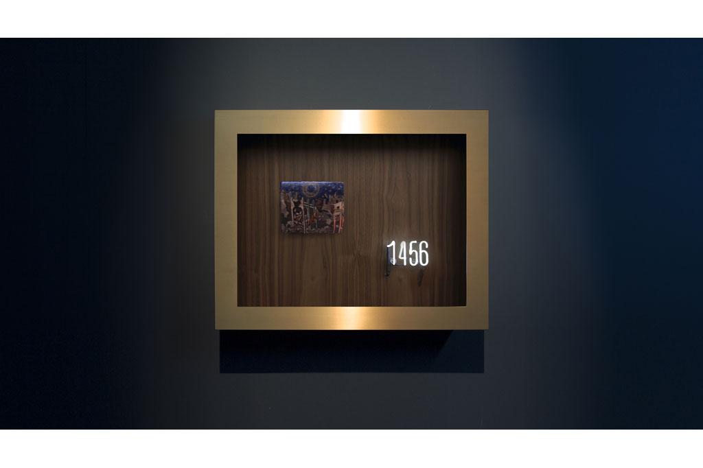 """1456, Earthquake in Naples"", 2013, Huile sur panneau de chêne, néon, merisier, laiton, 64 x 80 x 19,2 cm.jpg"