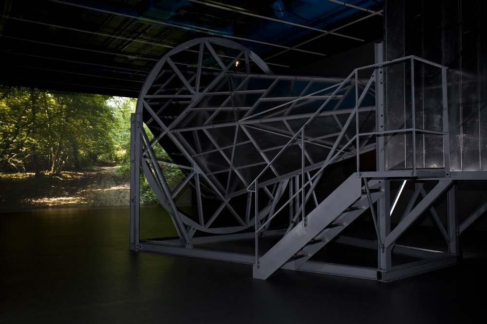 Horn, 2009, acier et aluminium, 8,71 m x 4 m x 5,10 m.jpg