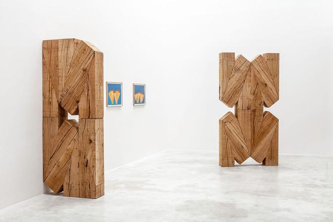 Raphaël Zarka, Les Prismatiques, vue d'exposition, 2012